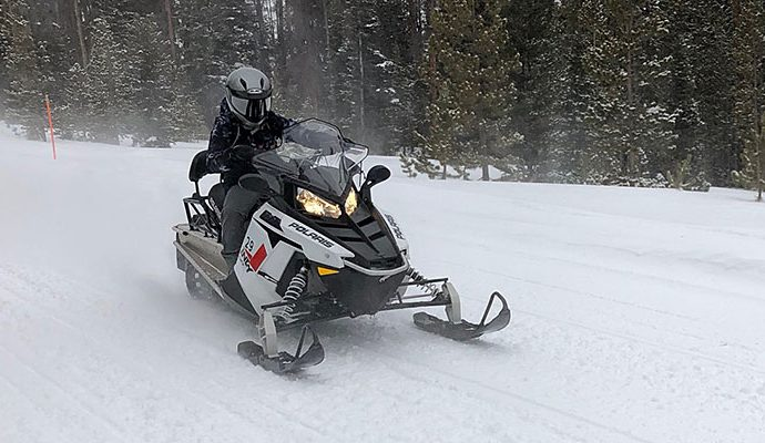 Trying Snowmobile for the First Time? Follow these Tips